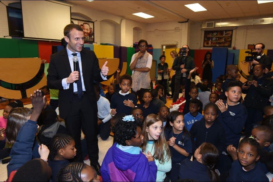Emmanuel-Macron-retourne-a-l-ecole-a-New-York