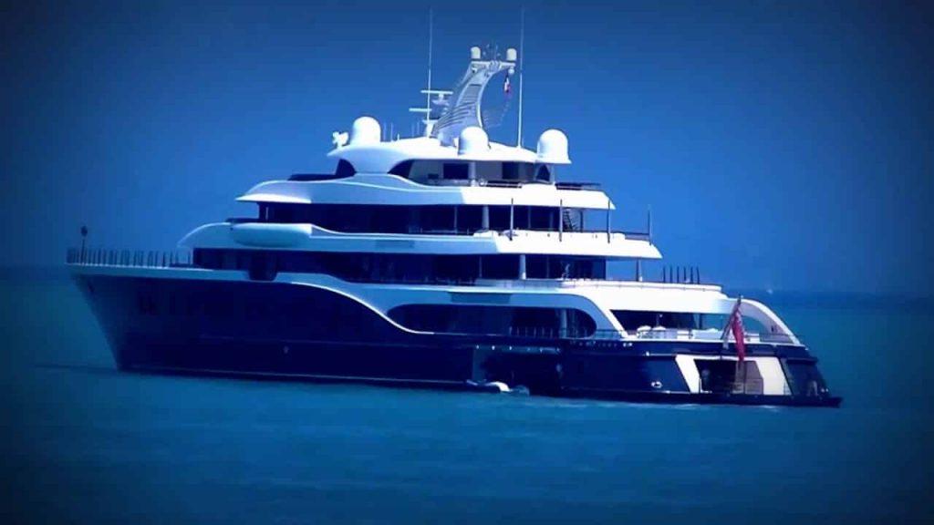 yacht arnault
